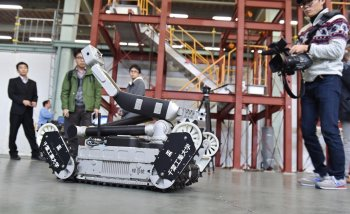 hitachi-ges-sakura-radiation-hunting-robot